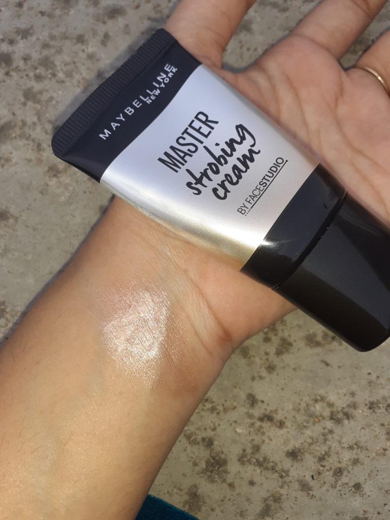 Master Strobing cream texture